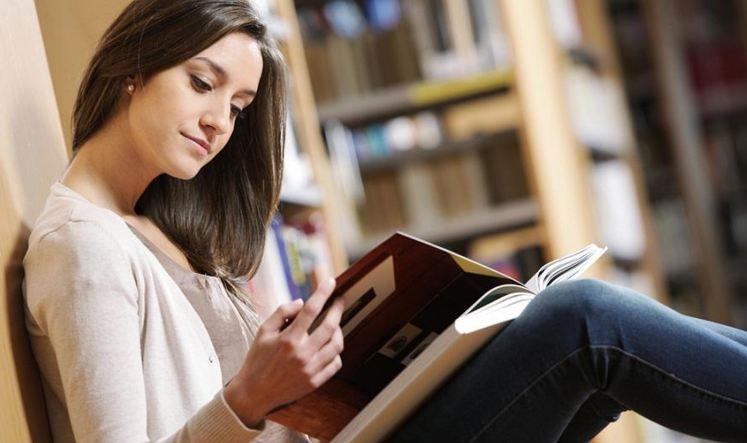 Đọc sách là một thói quen tốt, mang tới nhiều lợi ích cho con người